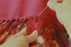 adjusting-weft-and-tying-knots